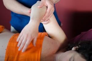 massage du bras, massage californien, formation massage
